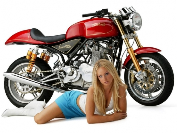 Motociclete si fete