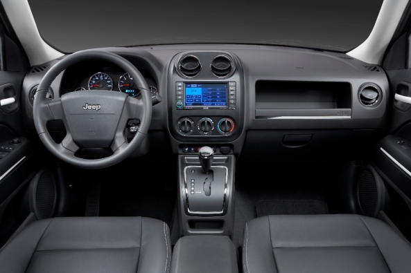 2010_Jeep_PAtriot_3 Interior