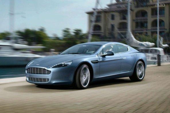 Aston Martin Rapide in miscare