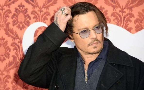Johnny Depp bun