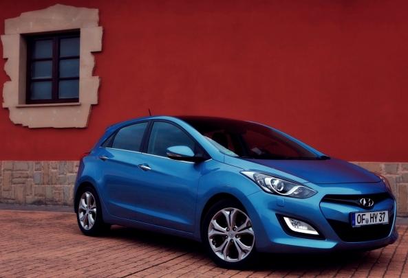 Hyundai_i30_2013_3