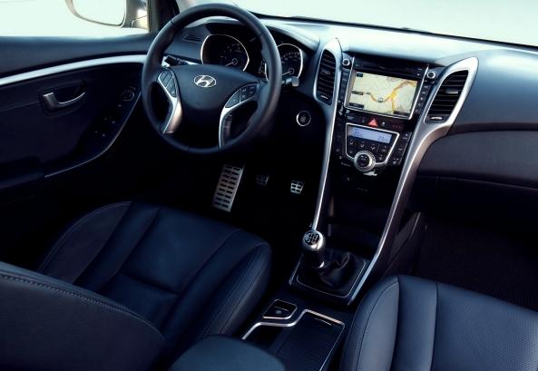 Hyundai_i30_2013_6