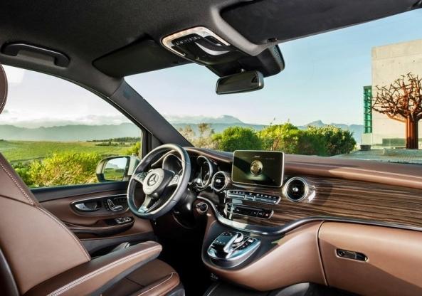 2 Mercedes-Benz-V-Class_2015