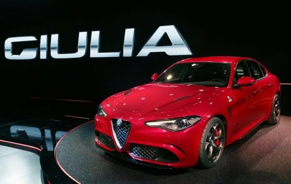 Alfa_Romeo-Giulia_5