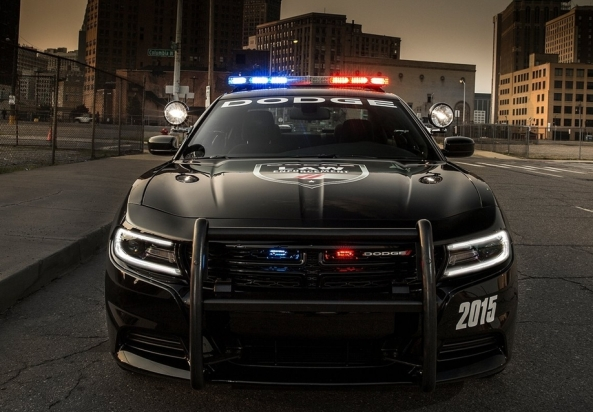 Dodge-Charger_Pursuit_2015_bucsoiu.com