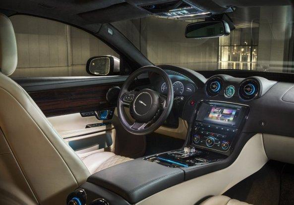 Jaguar-XJ_2016_3