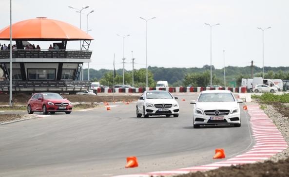 2 Mercedes