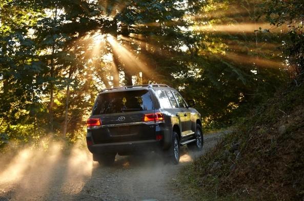 Toyota-Land_Cruiser_3